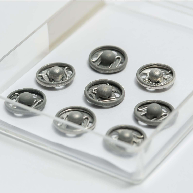 8 Druckknöpfe - 11mm - annähbar - in Kunststoffbox
