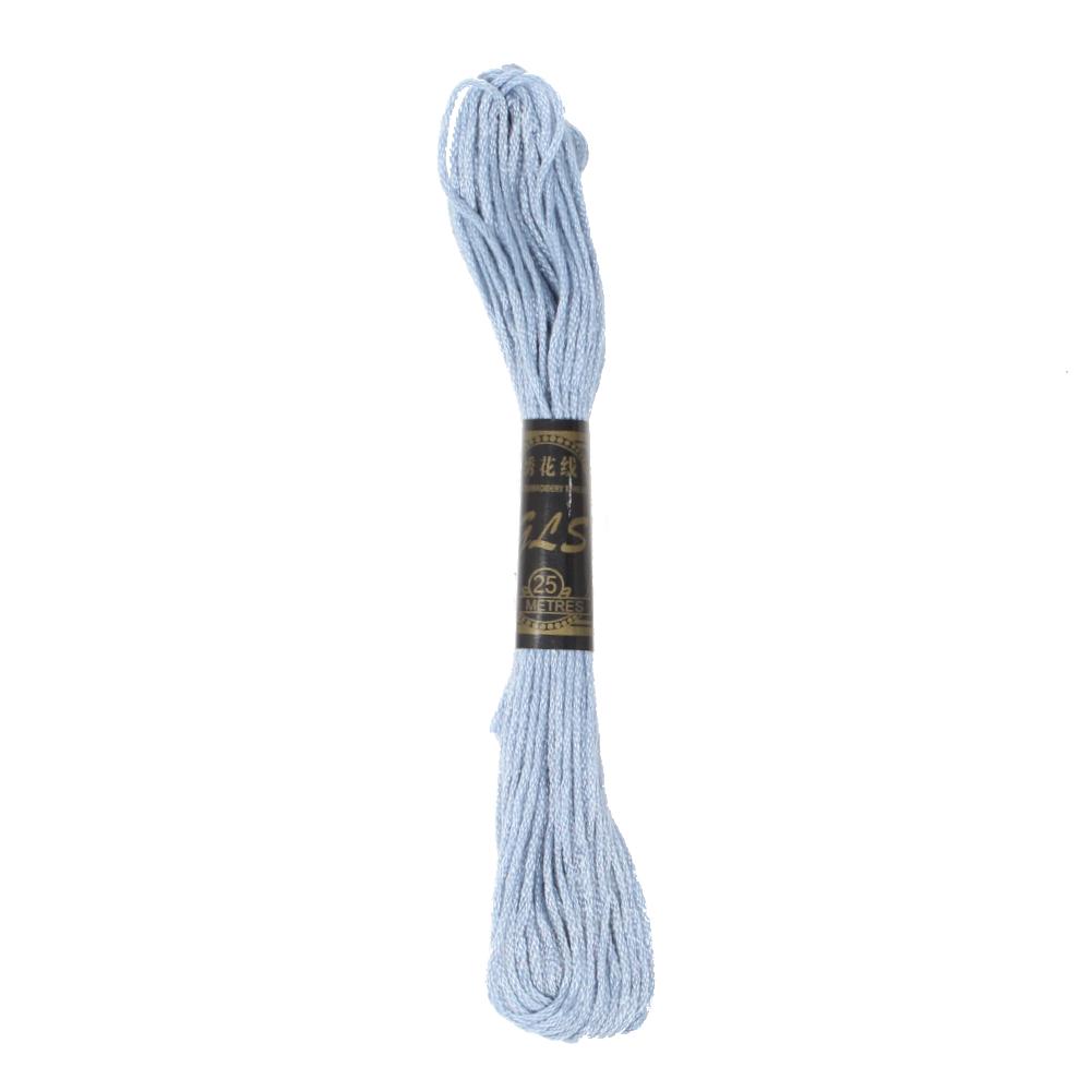 8m Stickgarn aus Baumwolle in Himmelblau (4)
