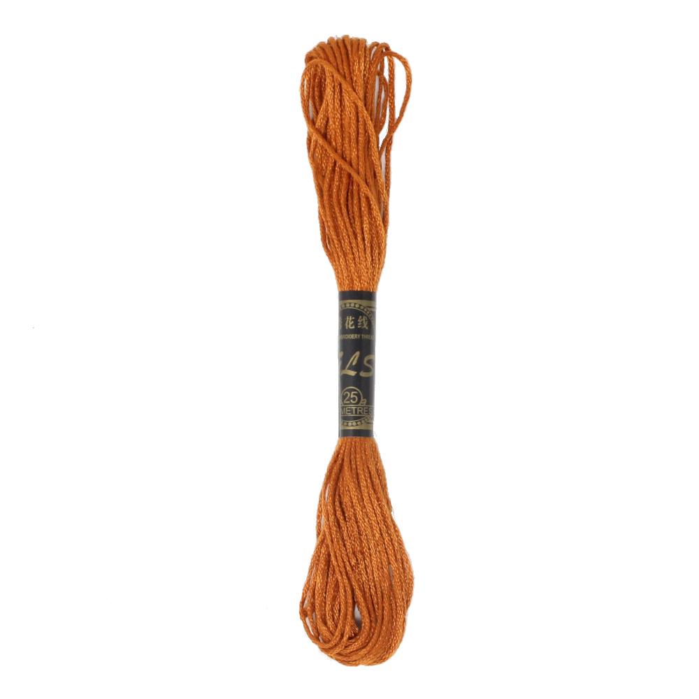 8m Stickgarn aus Baumwolle in Hellbraun (5)