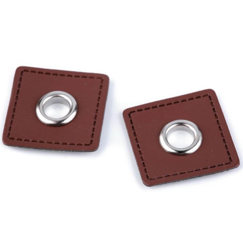 2x 8 mm silberfarbene Ösen Patches auf 30x30 mm Kunstleder - Cognac-Braun (2)